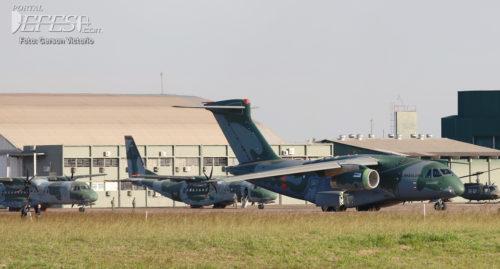KC-390 & C-105 taxi pátio