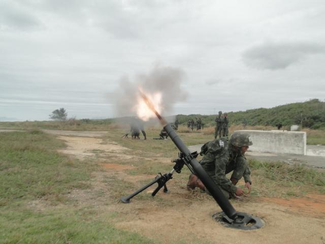 Morteiro 81mm em teste na 1ª Brig. Pqdt